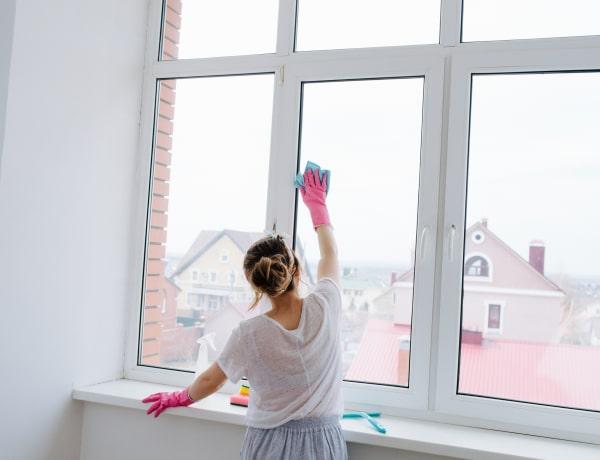 Foltmentes ablak trükkök: házi tisztítószerek, amik tényleg beválnak