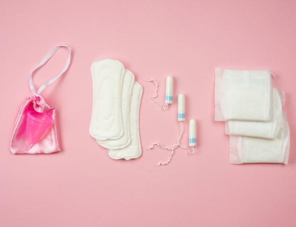 Nagy a menstruációs szegénység. Ingyen termékeket szeretnének a nők