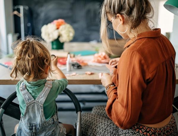 Kutatások szerint nem nagy baj, ha a negyvenes éveinkben szülünk