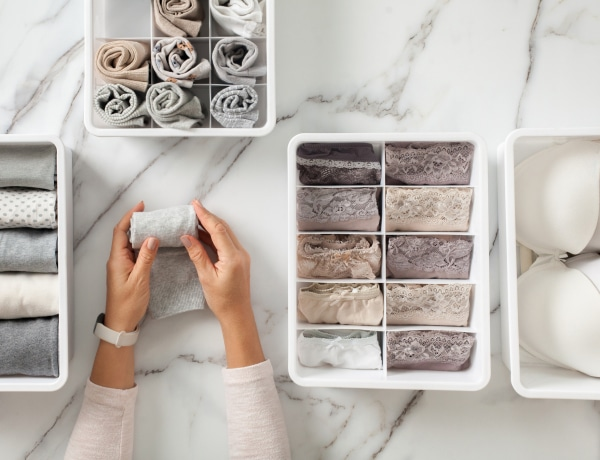 Így hajtogasd a ruhákat, hogy több hely maradjon: Marie Kondo tippjei