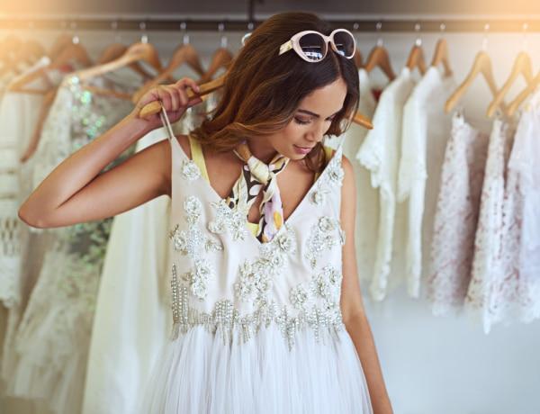 10 esküvői ruha visszafogott szertartáshoz, amit a plázákból is beszerezhetsz