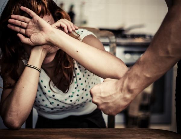 """""""Még mindig jobb, mintha nem lenne apja""""? A családon belüli erőszakról"""