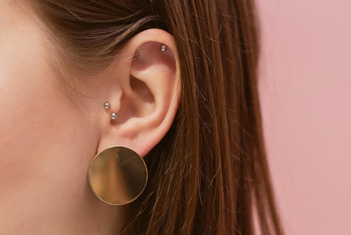 10 trendi és nőies fül piercing, amitől megjön a kedved a lyukasztáshoz