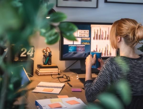 Irodai számítógéppel a hatékony munkavégzésért