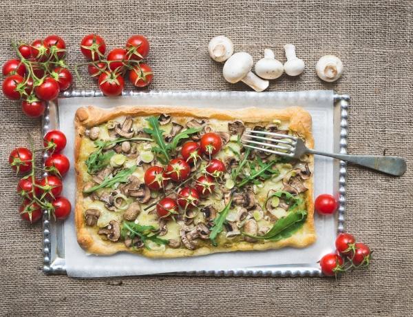 Szuperegészséges vegán pizzarecept, amit gluténérzékenyként is kipróbálhatsz
