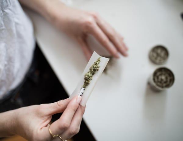 6 növényi stimuláló, amit el is lehet szívni – A dohányon és kannabiszon túl