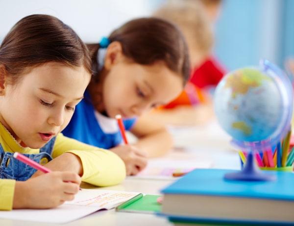 Így szoktasd vissza a gyereket az iskolába