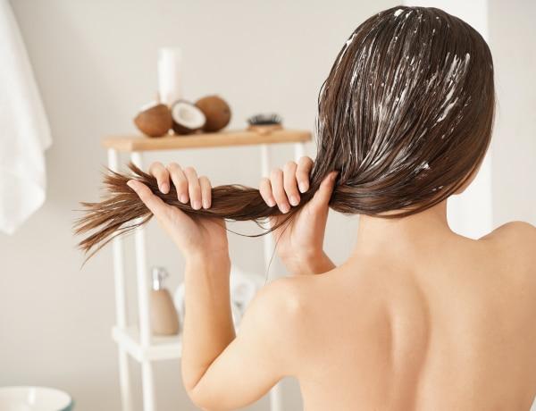 Tojást a hajra? 5 őrült házi készítésű haj kence, amit ne próbálj felkenni!