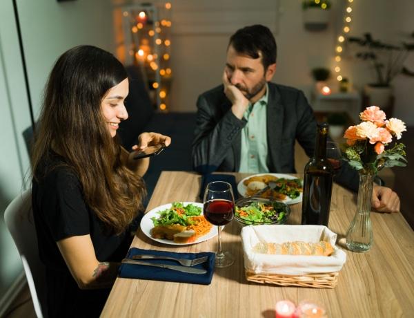A férfiak azért kívánják egyre kevésbé, mert félnek a visszautasítástól