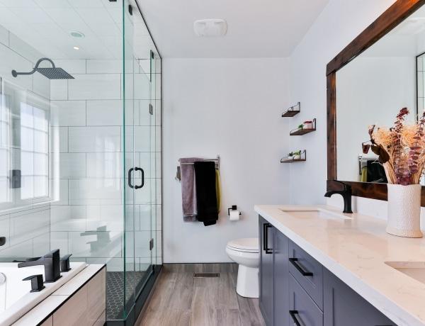 4 típusa hódít az épített zuhanykabinoknak – Neked melyik tetszik?