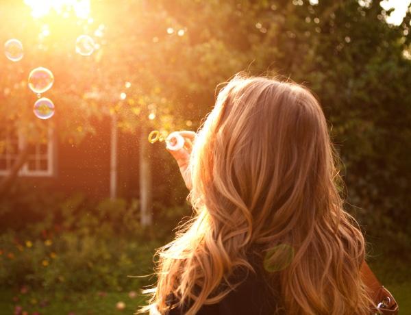 Hallottál már a buborékos hajról? Genetikai hiba áll a háttérben