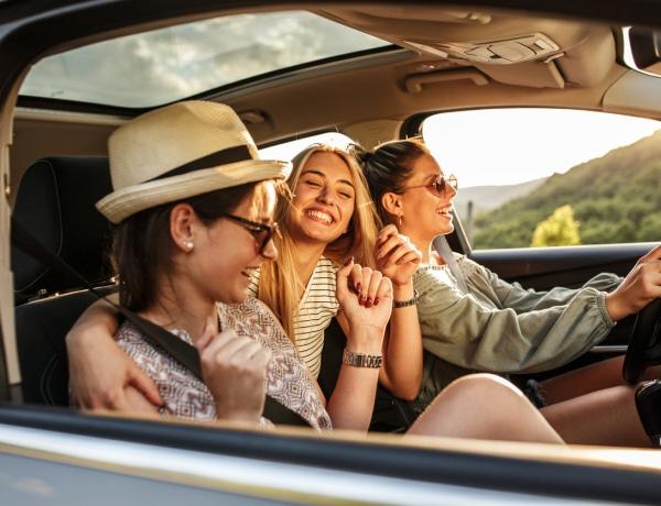 Ennyi barátot veszítünk el a 30-as éveinkre – A fiúk többet, mint a lányok