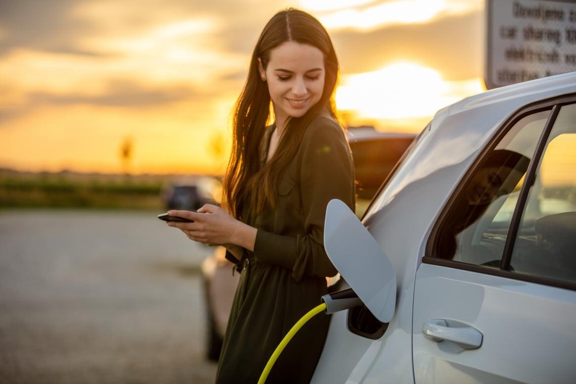 5 elektromos autó, amit minden nő azonnal hazavinne