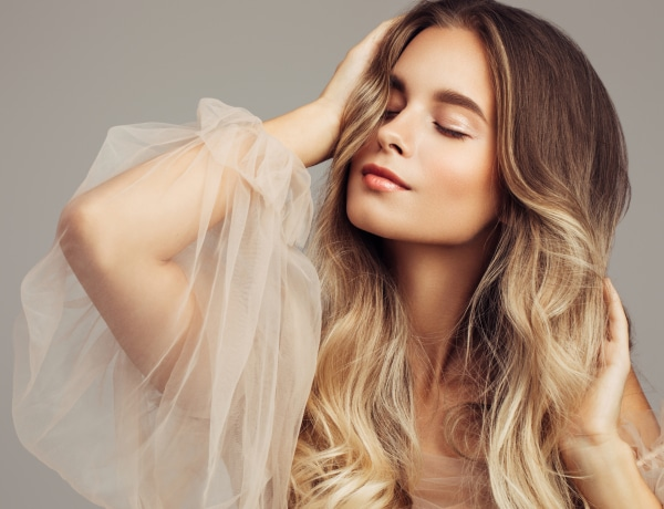 5 arcvékonyító szépség trükk, ha pufi az arcod