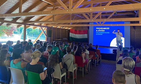Informatika a Balaton partján – pályaorientációs táborok a Programozd a jövőd! projekt keretében