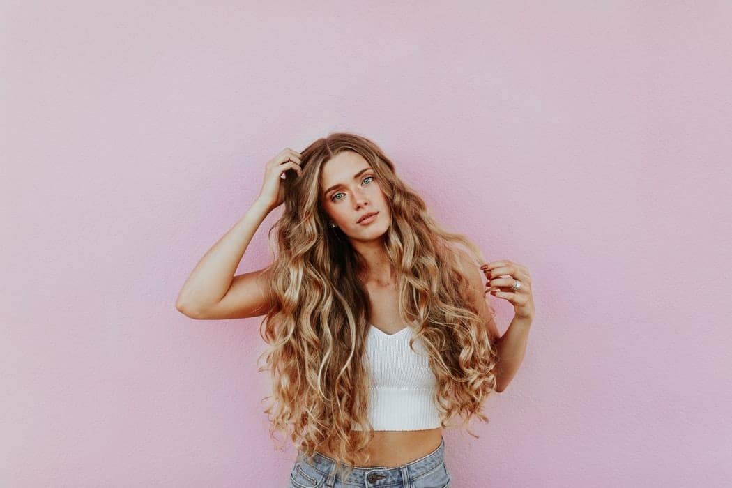 Milyen hajhossz illik a leginkább az arcodhoz? Egy trükkel kiderítheted