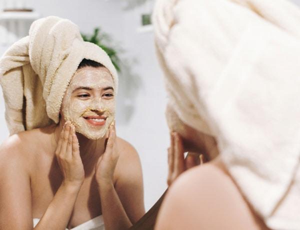 Bőrápolási TikTok-trendek, amiket NE próbálj ki – a bőrgyógyászok szerint