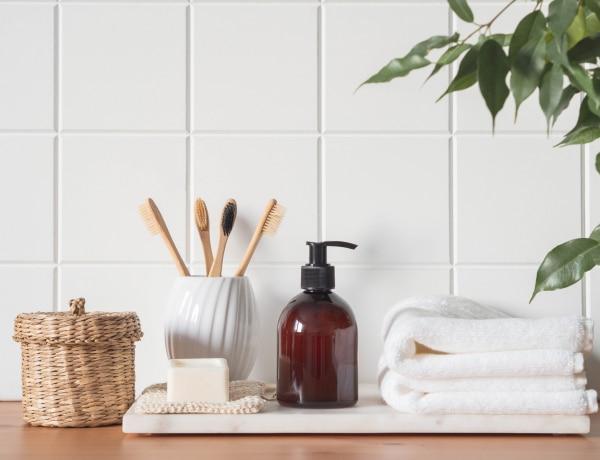 Kiegészítők a fürdőszobába a reggeli készülődéshez