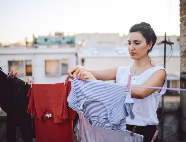 Tuti módszer, ha sminkes lett a ruhád: ahogyan eltávolíthatod