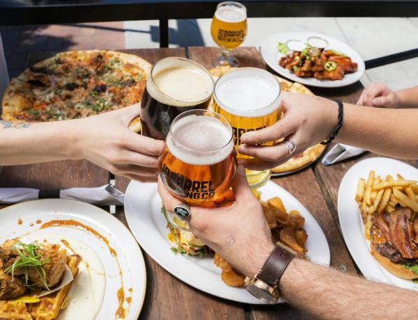 Amiért a magyar nem koccint sörrel – és egyéb furcsaságok