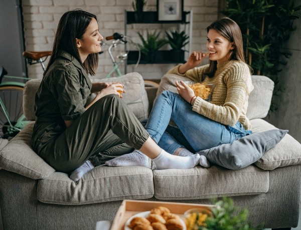 A baráti étkezések etikettje –  Hol kávézzunk és meddig tartson az ebéd?