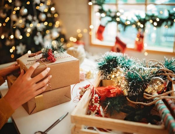 Egyre többen nem fogják ajándékozni oltásellenes szeretteiket idén karácsonykor