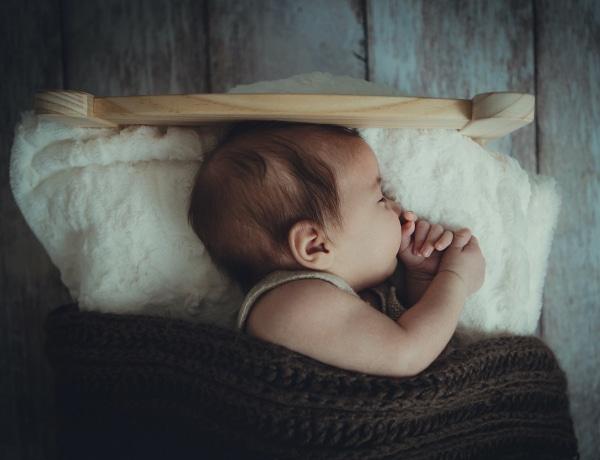 Ne recsegjen a parketta! Így tud a legjobban aludni a baba